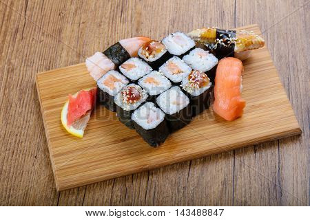 Sushi And Roll Mix