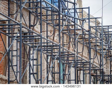 Steel scaffolding for restoration of building, Outdoor image