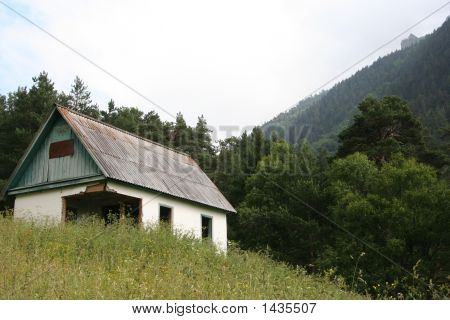 Deserted House In The Mountains