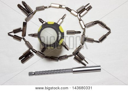 the tortoise and the arrangement of nozzles for collapsible screwdriver