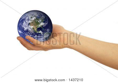 Globo na mão