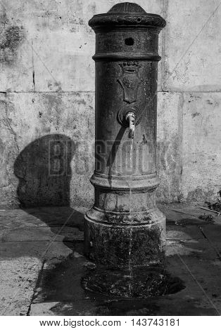 Old water fountain, on a quiet side street, Porto, Portugal, Europe