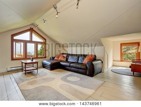 Lovely Sitting Area Upstairs. Has Vaulted Ceiling
