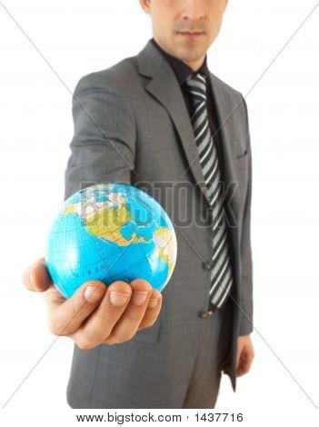Empresário com globo