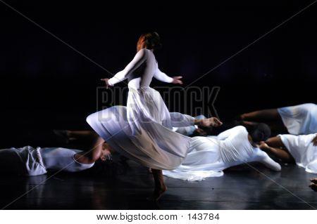 Modern Dance Performance 2