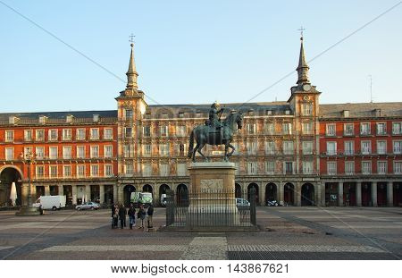 Plaza Mayor and Casa de la Panaderia in Madrid