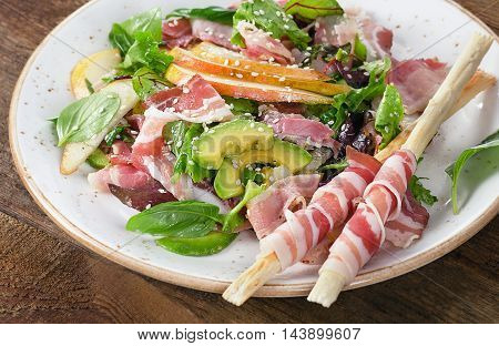 Fresh Mixed Salad With Pancetta And Breadsticks