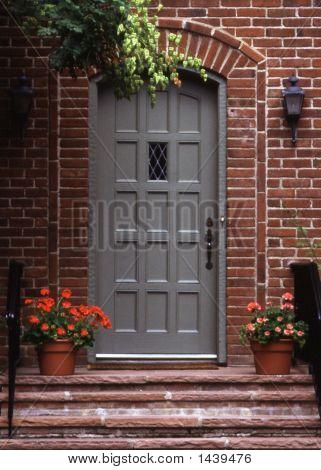 Die graue Tür