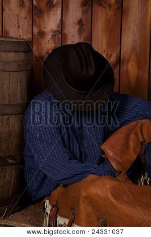 Cowboy Sit Barrel Sleep Head Down