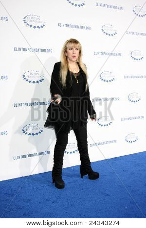 .LOS ANGELES - OCT 14:  Stevie Nicks arriving at the Clinton Foundation
