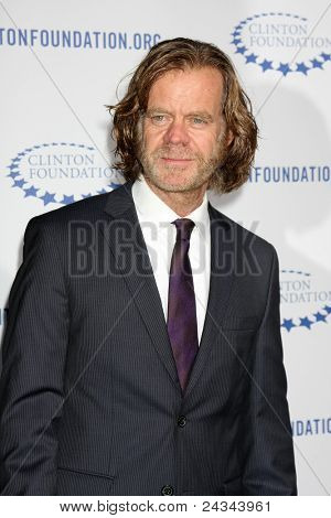 .LOS ANGELES - OCT 14:  William H. Macy arriving at the Clinton Foundation