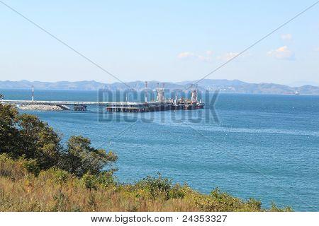 Bulk-oil Port