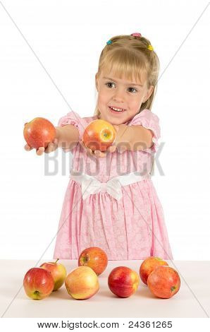 The little girl with the apples