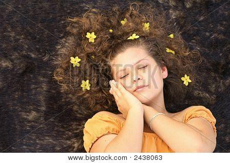 Menina dormindo pacificamente