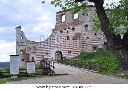Janowiec Castle in Poland