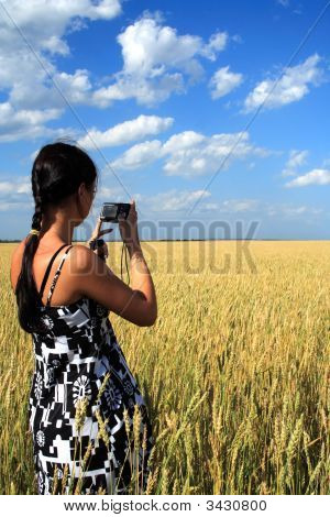 Girl Photographes The Nature