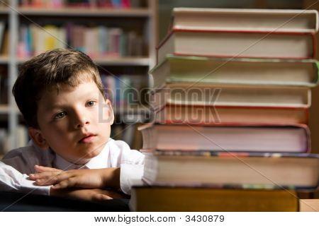 Pupila en biblioteca