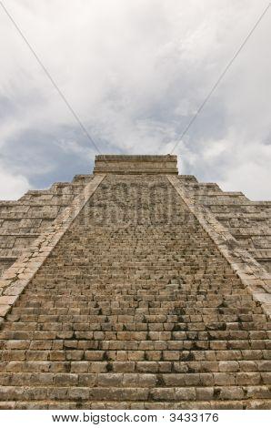 Kukulkan Pyramid, Mayan Ruins In Chichen-Itza, Mexico
