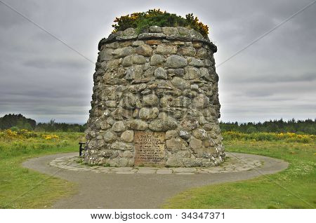 Culloden battle field memorial monument