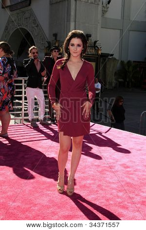 LOS ANGELES - JUN 26:  Shannon Woodward arrives at the