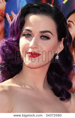 """LOS ANGELES - JUN 26:  Katy Perry arrives at the """"Katy Perry: Part Of Me"""" Premiere at Graumans Chinese Theater on June 26, 2012 in Los Angeles, CA"""