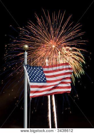 Bandeira dos Estados Unidos com fogos de artifício