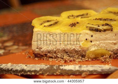 Preparing cheesecake