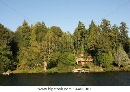 Waterfront Home On Lake Washington