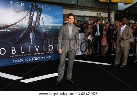 """LOS ANGELES - APR 10:  Tom Cruise arrives at the """"Oblivion"""" Premiere at the Dolby Theater on April 10, 2013 in Los Angeles, CA"""
