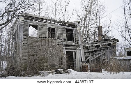 Homestead Crumbles with Age
