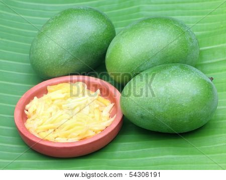 Green Mango With Kasundi