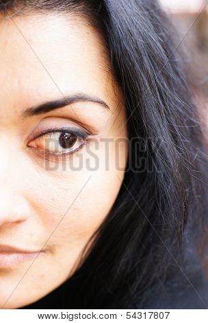 Brunett Woman Face