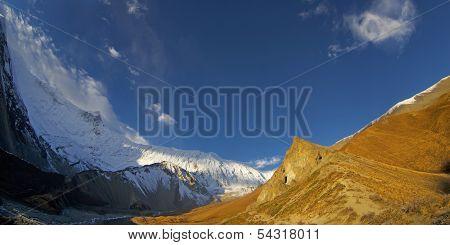 Way From Manang Village To Tilicho Lake. Nepal