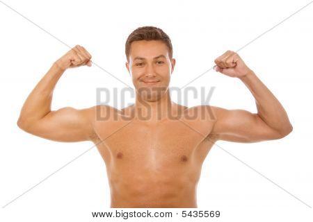 Retrato de jovem de músculo em Backgroud branco