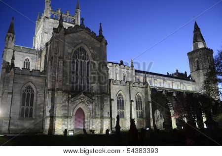 Dunfermline Church at Night