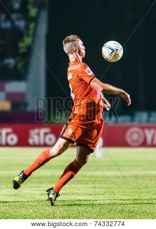 Sisaket Thailand-october 15: Brent Mcgrath Of Sisaket Fc. Chest The Ball During Thai Premier League