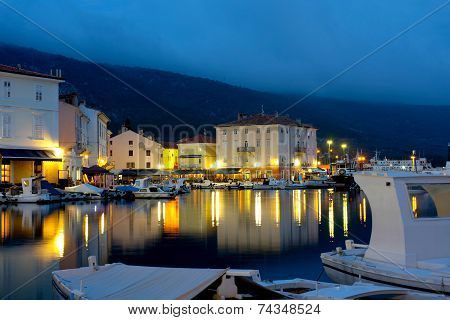 Cres By The Night