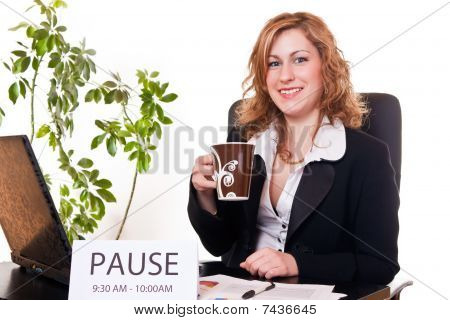Empresaria disfrutando de su pausa
