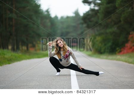 Young Girl Makes Splits