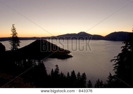 Nascer do sol sobre o Lago