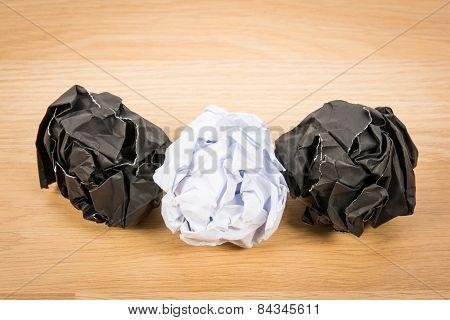 Black Paper Ball Corrugate
