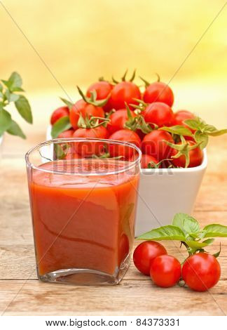 Tomato juice (healthy drink)