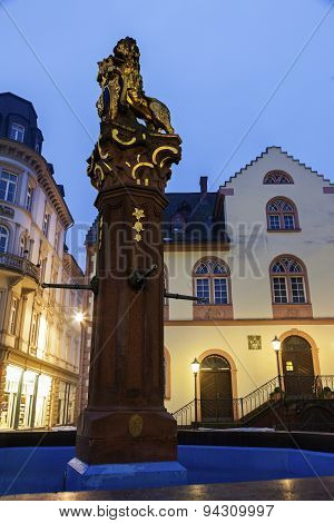 Fountain And Old Rathaus