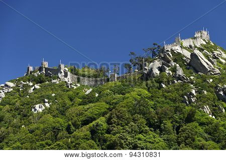 Walls of Castle of Sintra, or Castelo dos Mouros or Moorish Castle, Sintra, Portugal