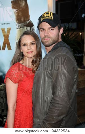 LOS ANGELES - JUN 23:  Rachael Leigh Cook, Daniel Gillies at the