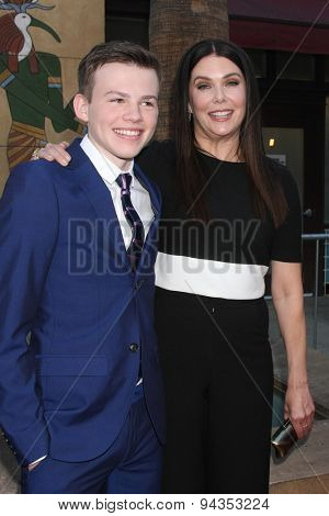 LOS ANGELES - JUN 23:  Josh Wiggins, Lauren Graham at the