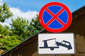 pic of front-entry  - Clearway sign  - JPG