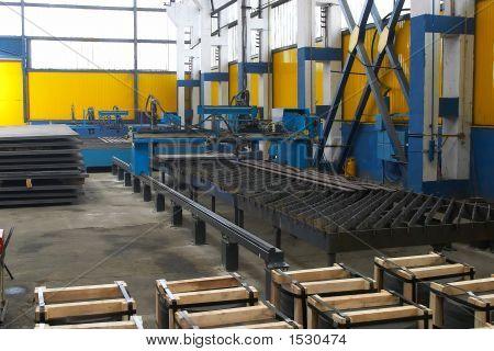 Stahl-Komponenten in einem Lager