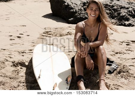 surfergirl is wating for the perfect wave