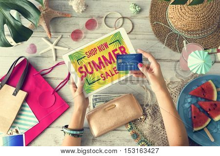 Summer Sale Shopping Discount Concept